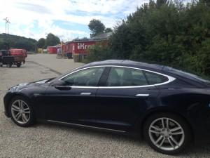 Tesla-Elektrofahren mit Spass