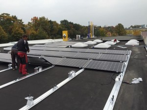 Photovoltaik-Autohaus-Elektro-Mobilität