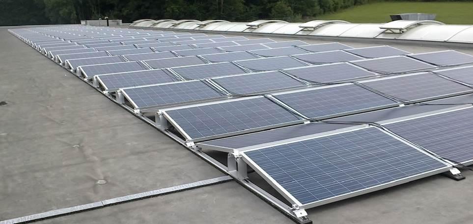 Ab sofort gibt es umweltfreundlichen Strom vom Dach der Kfz Innung Nürnberg