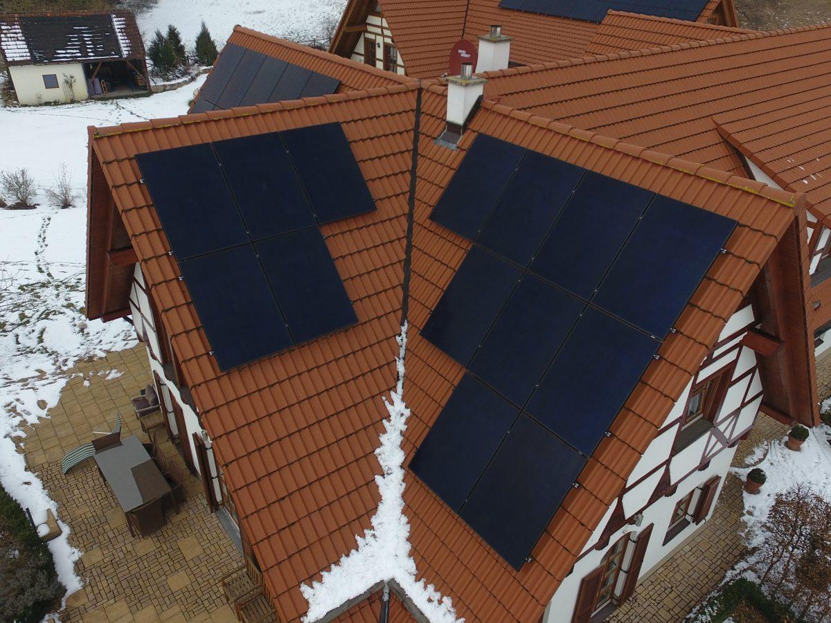"""Solaranlage mit mehr """"PS"""" am Dach und großem Speicher im Keller"""