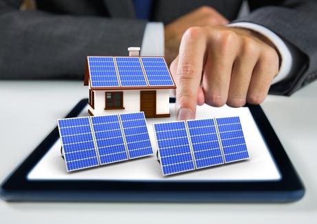 Politisch geforderte Solarpflicht für Gewerbe und staatliche Dächer